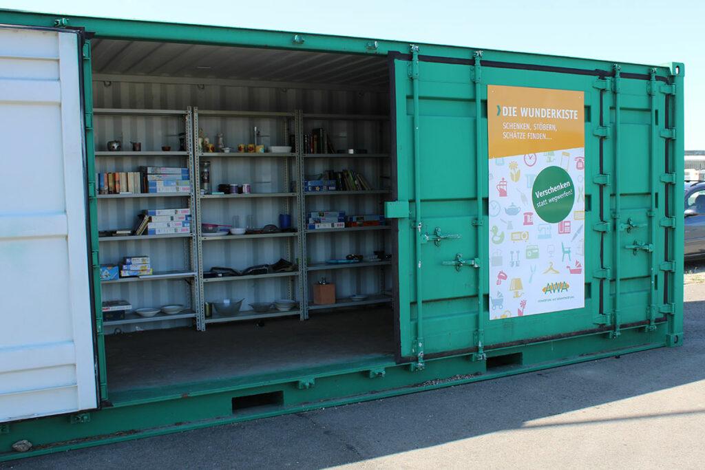 Die Wunderkiste am Standort des Entsorgungszentrums Warden dient zum Tauschen von Gegenständen nach dem Aussortieren